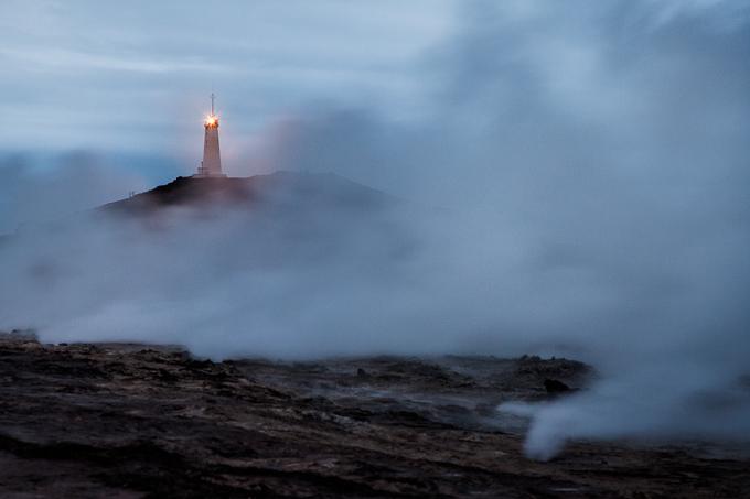 IJsland Winter - Vuurtoren op schiereiland Reykjanes | copyright Anne van Houwelingen | FotoTours.nl