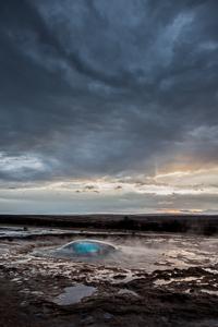 IJsland Winter - Strokkur geiser - bij Geysir | copyright Anne van Houwelingen | FotoTours.nl