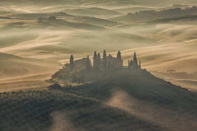 Mist bij Belvedere in Toscane   © Anne van Houwelingen   FotoTours.nl