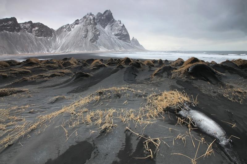 FotoTours IJsland 2015 - Lavazandduinen Vestrahorn Pieter